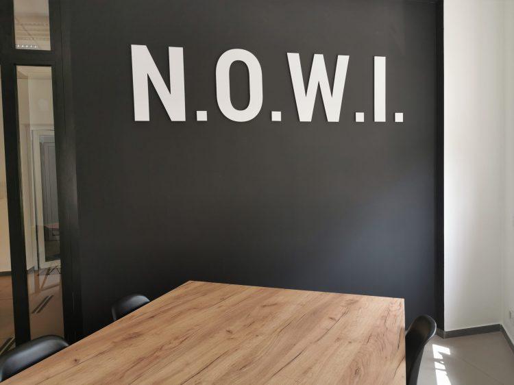 Litery przestrzenne – N.O.W.I.